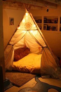 This is like, a classy adult take on the kid's reading tipi. I want a tipi. Indoor Forts, Indoor Camping, Tent Camping, Cosy Camping, Camping Indoors, Indoor Play, Family Camping, Teepee Bed, Diy Teepee