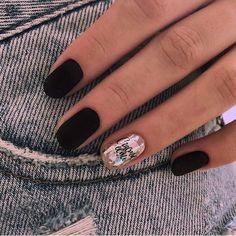 Trendy Matte Black Nails Designs Inspirations - Products I Love - Nail Nail Art Designs, Black Nail Designs, Blog Designs, Pretty Nails, Fun Nails, Nail Manicure, Nail Polish, Nails Inspiration, Design Inspiration