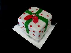 Christmas Present with Holly Mini Cake Christmas Present Cake, Mini Christmas Cakes, Christmas Cake Decorations, Christmas Presents, Merry Christmas, Feather Painting, Mini Cakes, Cake Decorating, Digital Camera