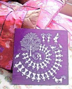 Out of The Box Ideas: When Warli Painting & Art Goes Beyond Walls Madhubani Art, Madhubani Painting, Ply Board, Worli Painting, Indian Folk Art, Indian Crafts, Smart Art, Aesthetic Painting, Art N Craft