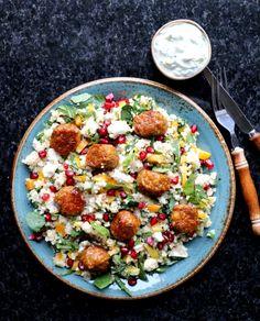 Vegetarboller med enkel, digg quinoasalat & tzatziki - LINDASTUHAUG