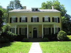 Presidents House, Princeton, New Jersey; the first person to occupy this home was Aaron Burr, Sr, whose son became Vice-President, and later famous theologian Jonathan Edwards moved in in 1758. It was used as the president's residence until 1878.