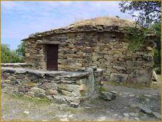 CORSE - Désert des Agriates - Haute-Corse pagliaddu maison en pierres seches