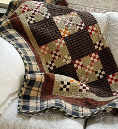 beautiful quilt with fall colors - 2015 fall tour- Itsy Bits And Pieces
