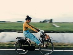 #life #girl #hipster #nature #photography #bicycle #vintage #indie #travel #bike  https://weheartit.com/entry/301165412?context_page=124&context_type=explore