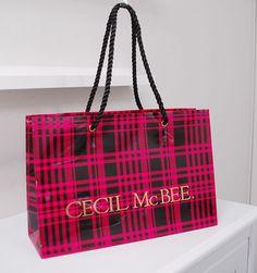 papaer bag Design Print Graphic Fashion 紙袋 デザイン 印刷 グラフィクデザイン ファッション Paper Design, Floral Prints, Packaging, Shoulder Bag, Paper Bags, Shopping Bags, Floral Patterns, Shoulder Bags, Shopping Bag