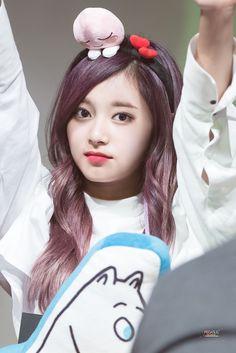 Post with 358 views. Fansign in Gangnam, Mwave M&G Kpop Girl Groups, Korean Girl Groups, Kpop Girls, Chou Tzu Yu, Cute Dragons, Tzuyu Twice, Cute Friends, Chinese Actress, Beautiful Asian Girls