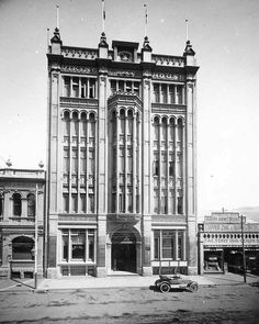 Viking House at 49 William St, Perth in Western Australia.Built in 1912 and demolished in 1970 🌹 Perth Western Australia, Australia Travel, Historical Sites, Historical Photos, Old Photos, Vintage Photos, Vintage Photographs, Viking House, Williams Street