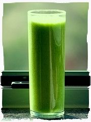 Super Simple Green Smoothie Recipe. This website is different then greensmoothiespower.com