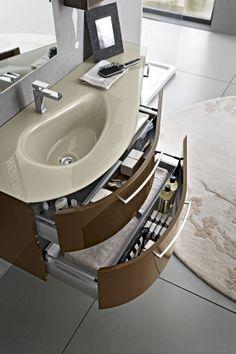 Bagno Play con finitura laccato lucido Marrone BL-6 http://www.cerasa.it/it_IT/bagni/moderno/play/arredamento-bagni_moderni-play-2012-68-69