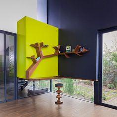 Prateleira em formato de galho de árvore. Vale a pena investir em criatividade #decor #casa