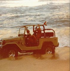 Ride jeep on the beach