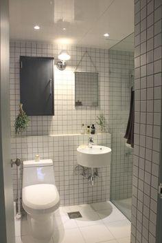 Room Design Bedroom, Room Ideas Bedroom, Home Room Design, Home Interior Design, Bedroom Decor, Apartment Interior, Bathroom Interior, Minimal House Design, Deco Studio