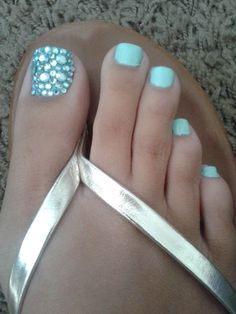 Maybe do matte/glossy for this effect. Pedicure Designs, Pedicure Nail Art, Toe Nail Designs, Toe Nail Art, Pedicure Ideas, Nail Ideas, French Nails Glitter, Fancy Nails, Glitter Toes