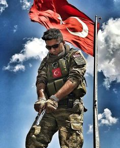 Turkish Soldiers, Warrior Quotes, Special Forces, Wonderful Places, Picture Quotes, Islam, Istanbul, Army, Military