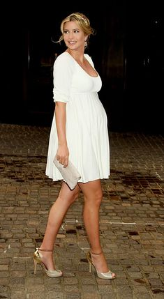 Absolutely love Ivanka's sense of style   Ivanka Trump white maternity dress. beautiful!