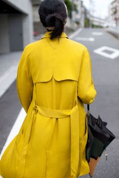 Edit 1-Woman-PICTURES | ZARA United States - yellow trenchcoat