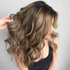 """743 Likes, 25 Comments - ORANGE COUNTY HAIRSTYLIST (@michellehair) on Instagram: """"✨D•I•M•E•N•S•I•O•N✨ Reverse Balayaged the gorgeous @chelsterzzz How did I reverse balayage? I…"""""""
