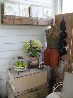 must love junk: Pallet Shelf. Again, different stain