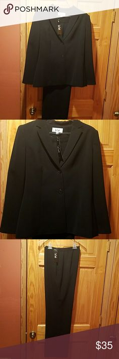 Le Suit Jacket and pants. NWT Polyester dry clean only. Perfect for work! Le Suit Jackets & Coats Blazers