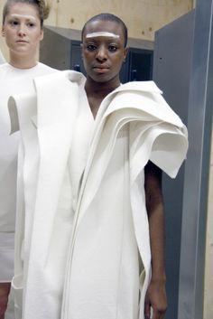 1granary_1_granary_2011_white_show_ba_fashion_central_saint_martins_white_project_1082