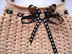 Bolsos de ganchillo: Diseños y patrones - Bolso de ganchillo rosa con lazo