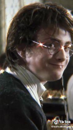 Harry Potter Gif, Harry Potter Ghosts, Harry Potter Videos, Harry Potter Mems, Magia Harry Potter, Classe Harry Potter, Estilo Harry Potter, Harry Potter Voldemort, Wallpaper Harry Potter