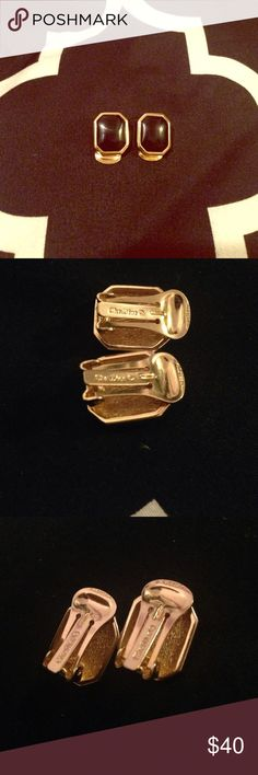Christian Dior Chip on Earrings Black/Gold *Preowned *Authentic Christian Dior Clip on earrings *No Damage/ No Scratches *Like New *Make Me An Offer Christian Dior Jewelry Earrings