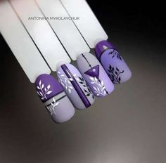 On average, the finger nails grow from 3 to millimeters per month. If it is difficult to change their growth rate, however, it is possible to cheat on their appearance and length through false nails. Acrylic Nail Designs, Acrylic Nails, Gel Nails, Nail Polish, Beautiful Nail Art, Gorgeous Nails, Pretty Nails, Beautiful Flowers, Purple Nail Art