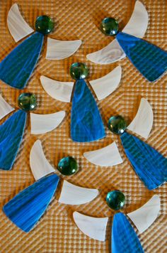 Stained glass angels Stained Glass Ornaments, Stained Glass Christmas, Stained Glass Suncatchers, Stained Glass Crafts, Stained Glass Designs, Stained Glass Patterns, Fused Glass Jewelry, Fused Glass Art, Mosaic Glass