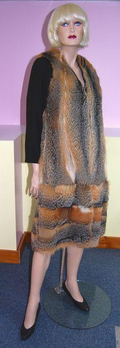 American grey fox fur vest. Fourrure de renard recyclée.