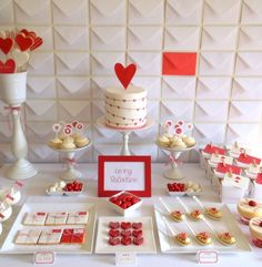 Red hearts Valentines Day party idea : kept simple with red and white.
