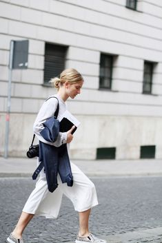 Clean Whites in City Streets #streetstyle