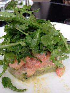 Avocado, shrimp and aragula. Paris cafe. October 2014.