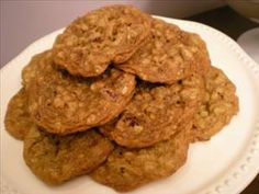 2 Points Weigh Watchers Walnut Cranberry Oatmeal Cookies  Truly healthy oatmeal cookies jam packed with goodness. Servings: 24. Prep Time: 15 mins. Cook Time: 15 mins  Ingredients 4 tbsp light buttery spread 1/2 cup sweetened dried cranberries 1/2 cup chopped walnuts 1/3 cup sugar 1 1/2 cups dry oatmeal 1/2 tsp cinnamon 1 tsp pumpkin pie spice 1/4 tsp salt 1 tsp vanilla extract 1/4 cup mashed banana 1 tsp orange zest 1/2 tsp baking soda 1/2 cup brown sugar 3/4 cup flour  Directions Pre-heat…