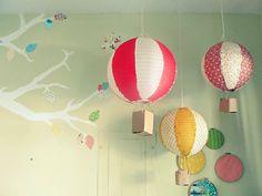 paper lantern balloons http://thejoyefuljourney.blogspot.com/2011/11/diy-paper-lantern-hot-air-balloons.html