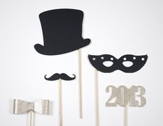 Photo booth prop ideas- perfect for the New Year. #photoboothprops #newyears #newyearspartyideas