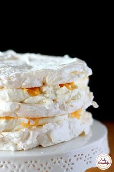 Perfect meringue that always comes out - kulinarne - Dessert Pavlova Cake, Cookie Recipes, Dessert Recipes, Banana Pudding Recipes, Homemade Cakes, Amazing Cakes, Sweet Recipes, Food And Drink, Yummy Food