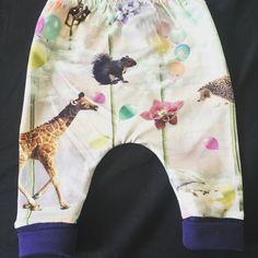 Bukser til en lille pige