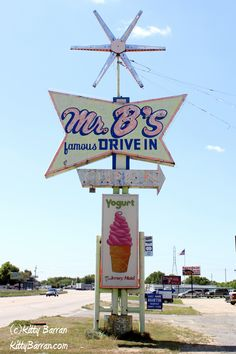 '50s retro on Route 66 in Oklahoma. How apropos. But the frozen yogurt is a whole different era.