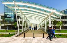 Universidad ShanghaiTech, Parque de Alta Tecnología Zhangjiang, Shanghai, China - Moore Ruble Yudell - foto: Colins Lozada
