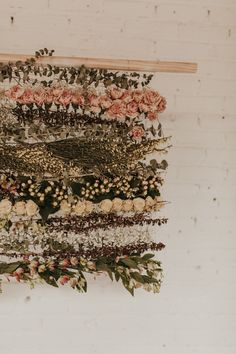 This SKYLIGHT Denver Wedding Inspiration is a Dream if You Love Dried Flowers, Warm Tones, and Cozy Vibes This ceremony backdrop made from dried flowers is an eye-catching masterpiece! Wedding Table Centerpieces, Wedding Flower Arrangements, Centerpiece Ideas, Wedding Decorations, Diy Wedding Inspiration, Wedding Ideas, Wedding Planning, Flower Installation, Spring Wedding Flowers