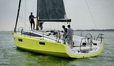 Open Sail : Location de bateaux, Pogo Pogo 30 et Pogo 36 Yacht Design, Boat Design, Image 3d, Small Sailboats, Yacht Boat, Boat Building, Planer, Sailing, Yachts