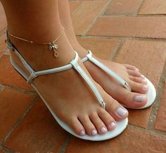 I will be wearing sandals like these all winter long. Bare feet + Cold days = Very sexy.