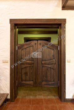 Дверь распашная из дерева
