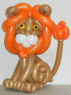 Easy Balloon Animals, Ballon Animals, Jungle Balloons, Big Balloons, Balloon Hat, Balloon Arch, Balloon Centerpieces, Balloon Decorations, Sculpture Ballon