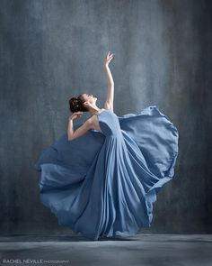 Beautiful from - Happy New Years Eve! How are you celebrating and ringing in the new year? Dancer: Kyra Olson of The Nutmeg Ballet Conservatory wearing Ballet Poses, Ballet Art, Dance Poses, Ballet Dancers, Kreative Portraits, Dance Photography Poses, Human Poses, Ballet Beautiful, Dance Pictures