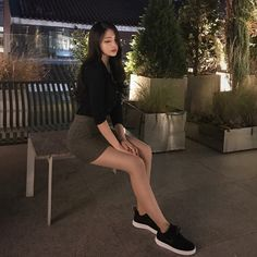 Shared by Find images and videos about girl, korean and ulzzang on We Heart It - the app to get lost in what you love. Uzzlang Girl, Tumbr Girl, Korean Girl Fashion, Ulzzang Korean Girl, Mode Streetwear, Cute Korean, Female Poses, Korean Outfits, Beautiful Asian Girls