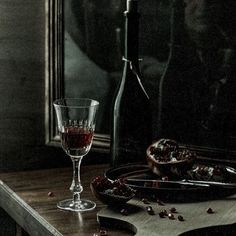 Queen Aesthetic, Book Aesthetic, Character Aesthetic, Hades Aesthetic, Alcohol Aesthetic, Dark Princess, Arte Obscura, Slytherin Aesthetic, The Villain