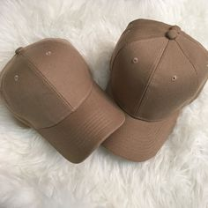 ✨last one! tan celeb style acrylic cap✨ One new Custom made/color Color: Tan Premium quality 100% acrylic Celebrity style As seen on Kylie Jenner Perfect for fall/winter styles ❎ Price firm ❎ No trades tags: kylie jenner, kanye west, kim kardashian, yeezy season, yeezy fashion show, baseball cap, cap, fashion, yeezy boost, boost 350, neutral, pink, hotline bling shopcapri Accessories